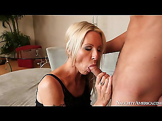 Arousing oralservice from hot mother i'd like to fuck in darksome