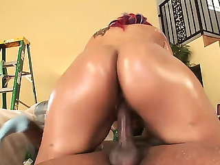 Bootylicious dark momma pleasures a biggest 10Pounder