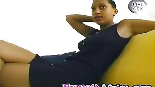 African beauty gives fantastic handjob