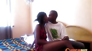 Real Nigerian Amateur Makes Porn with Girlfriend